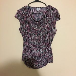 Worthington stretch patterned blouse form fitting
